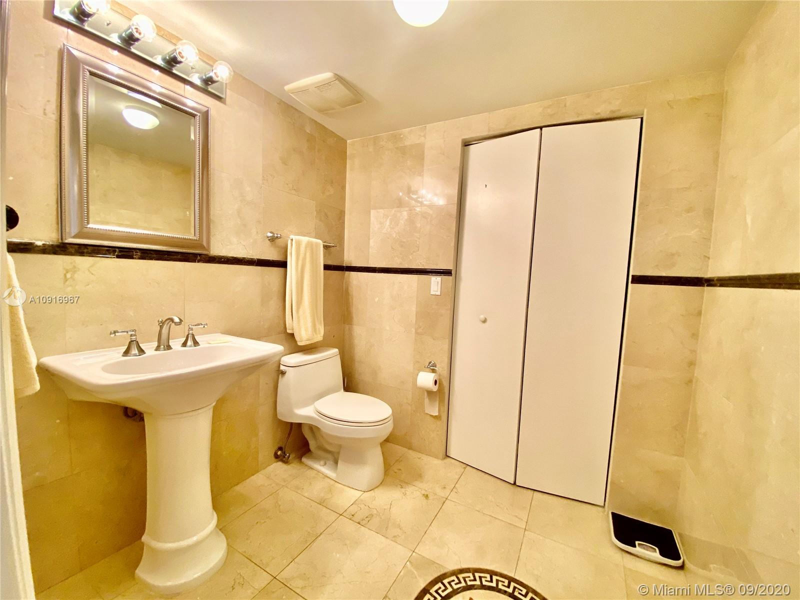 16699 Collins Ave #2510 photo024