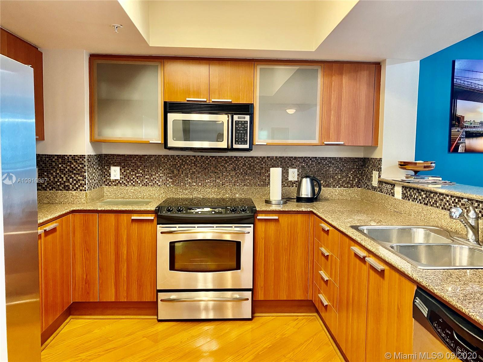 16699 Collins Ave #2510 photo011