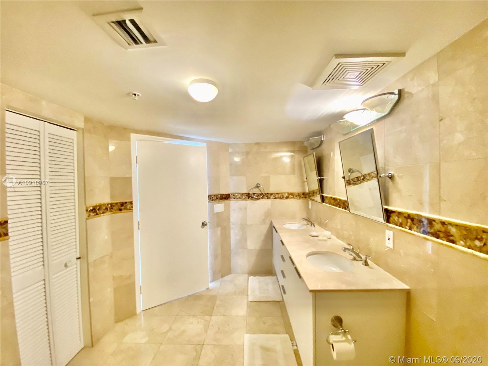 16699 Collins Ave #2510 photo021