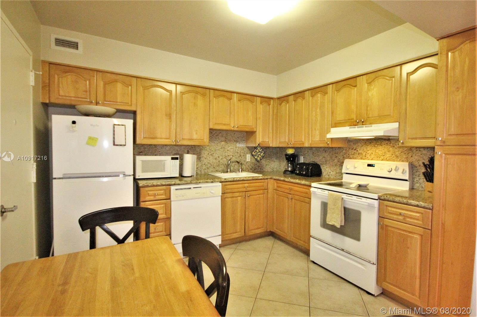 5161 Collins Ave #1110 photo04