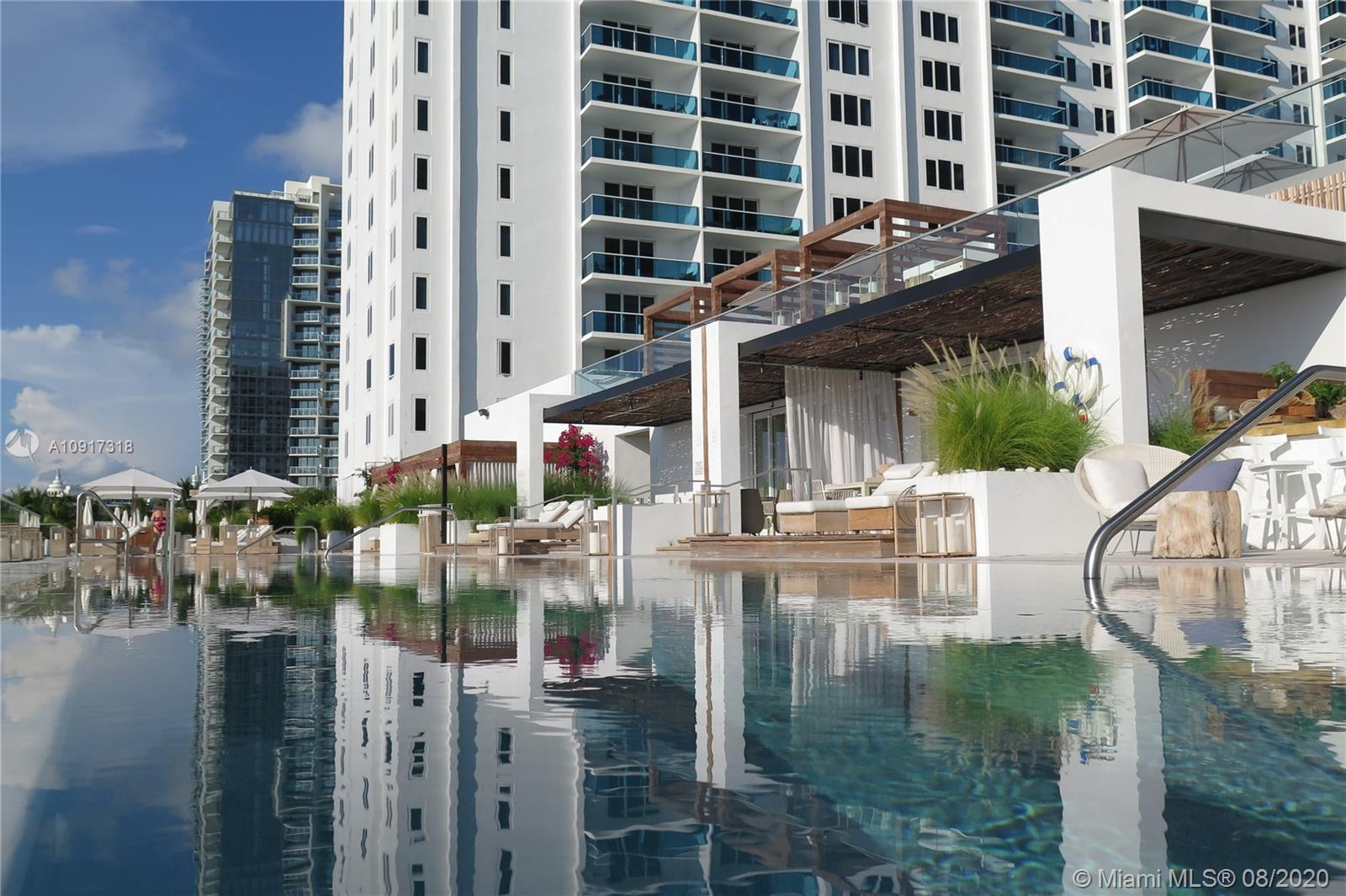 Photo of 2301 Collins Ave #910 listing for Sale