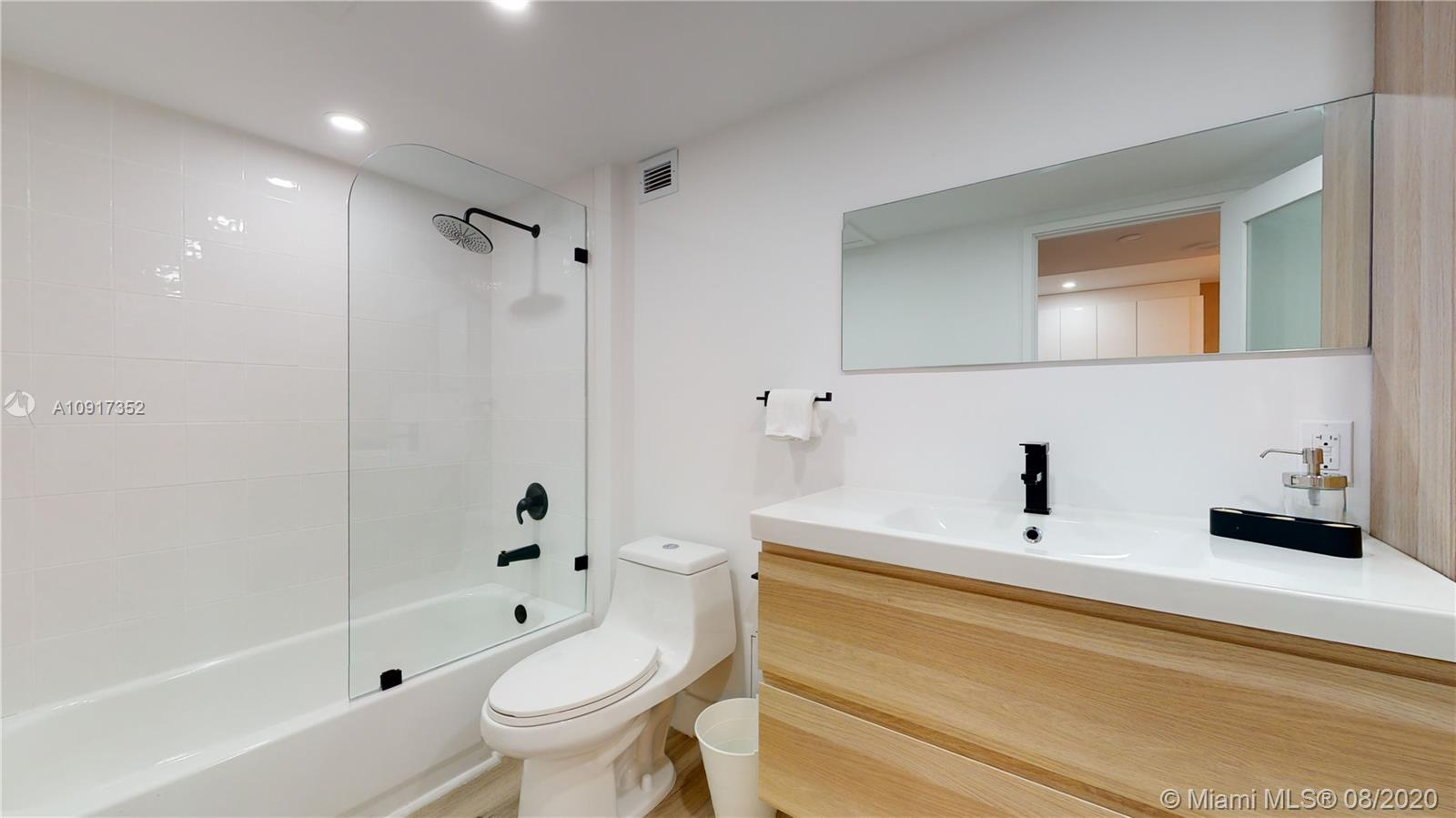 2301 Collins Ave #1227 photo06