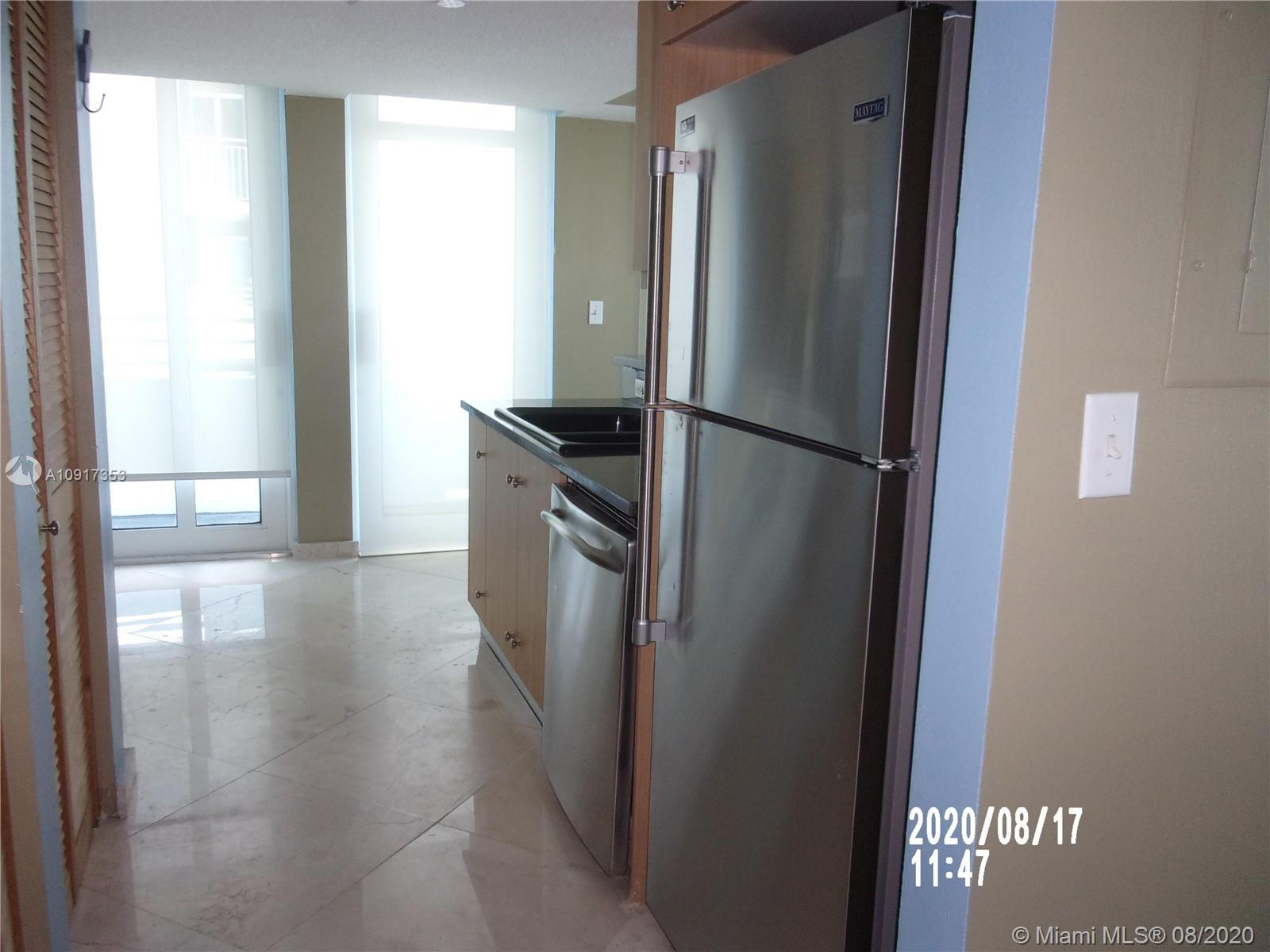 7600 Collins Ave #912 photo015