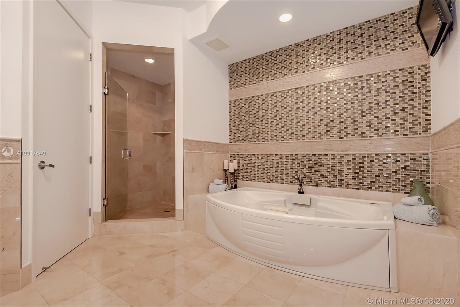 18101 Collins Ave #1906 photo023