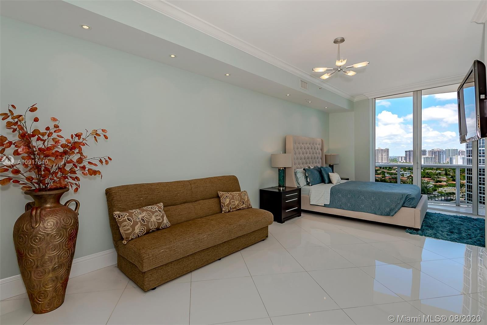 18101 Collins Ave #1906 photo020