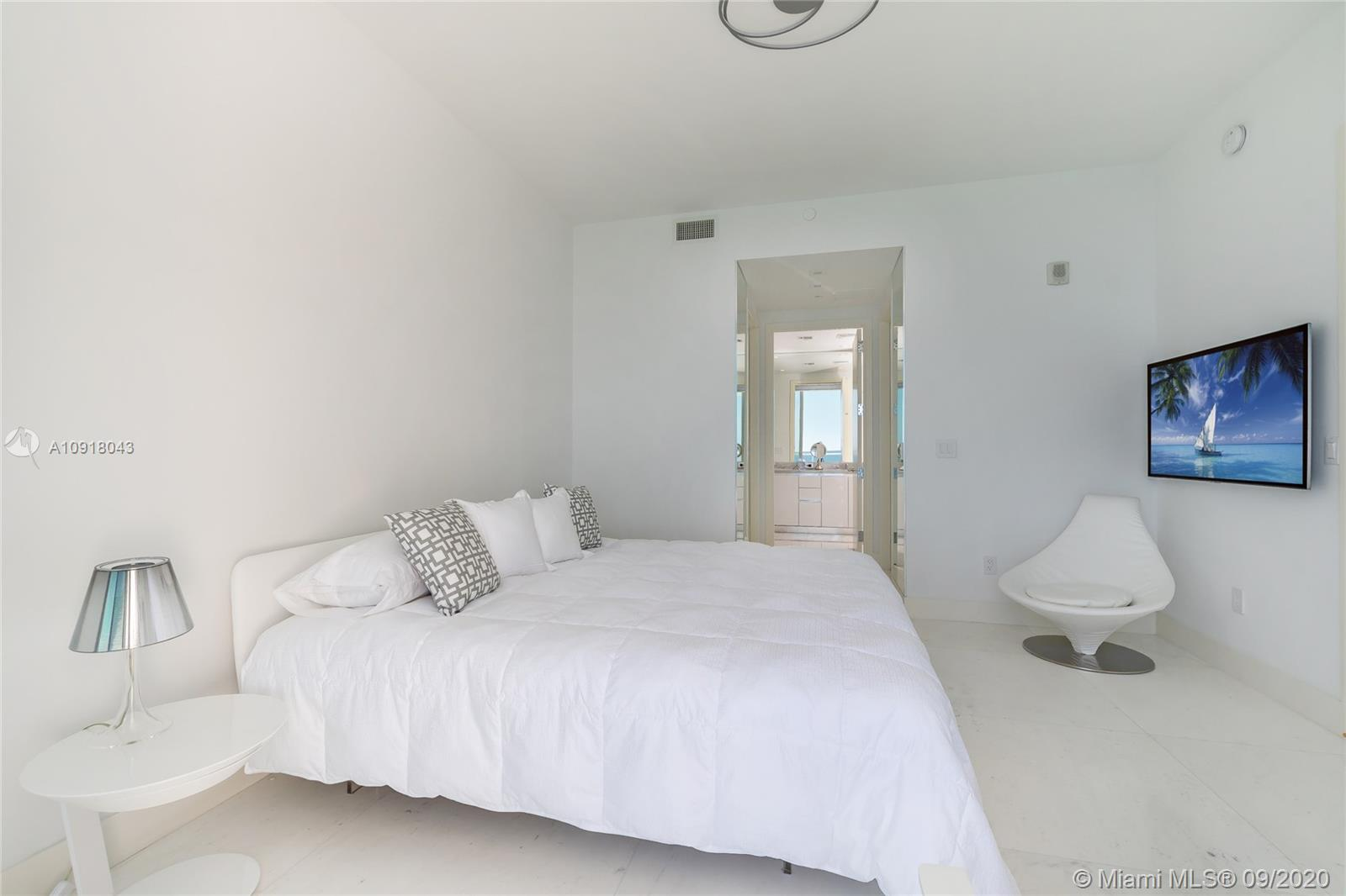 16901 Collins Ave #2304 photo04