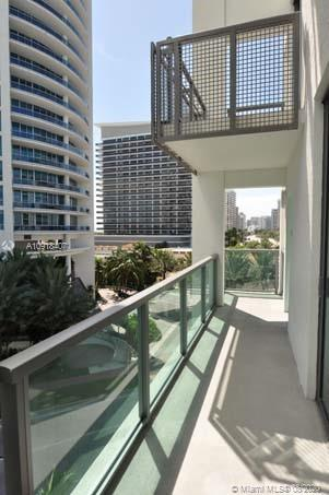 6000 Collins Ave #546 photo025