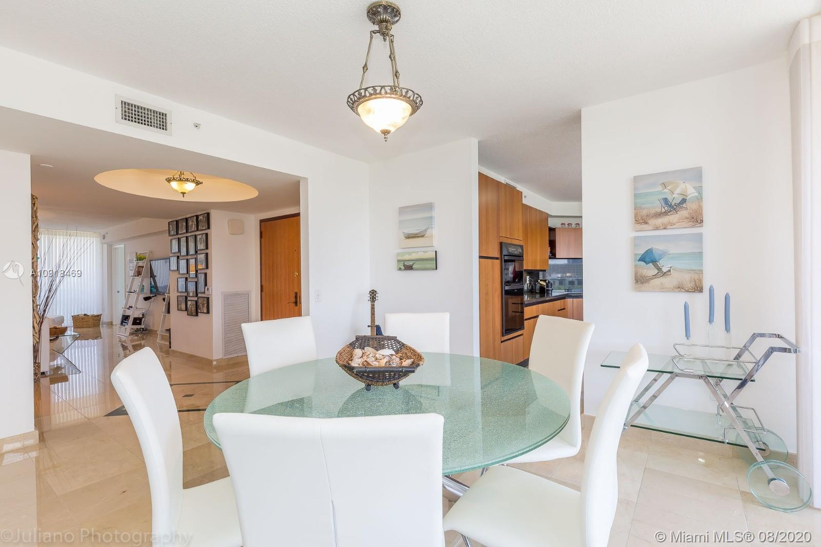 17555 Collins Ave #604 photo02