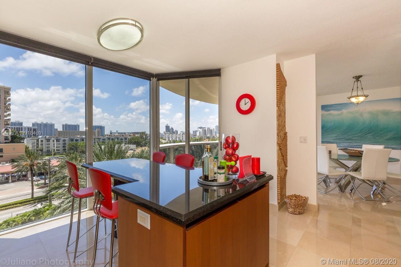 17555 Collins Ave #604 photo06