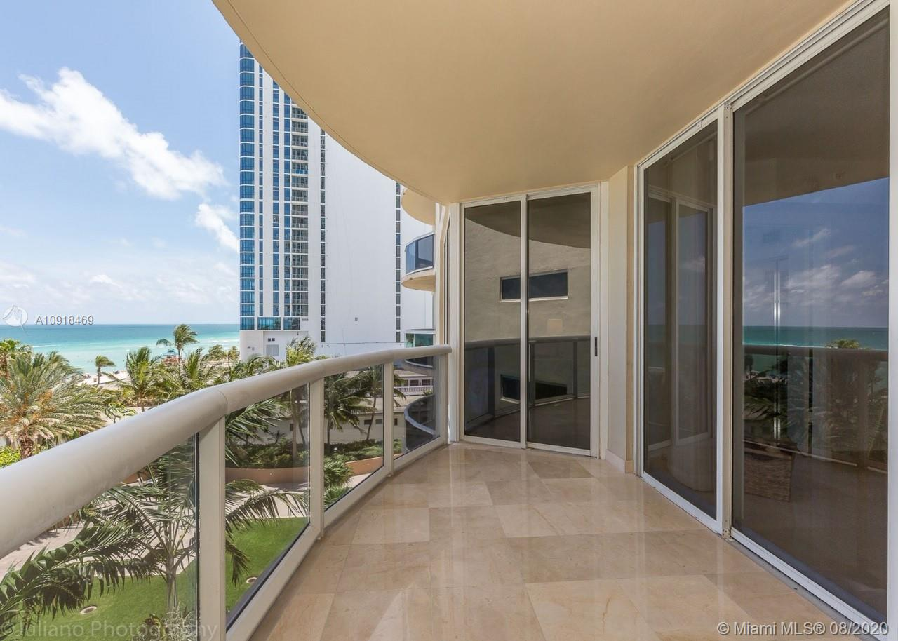 17555 Collins Ave #604 photo016