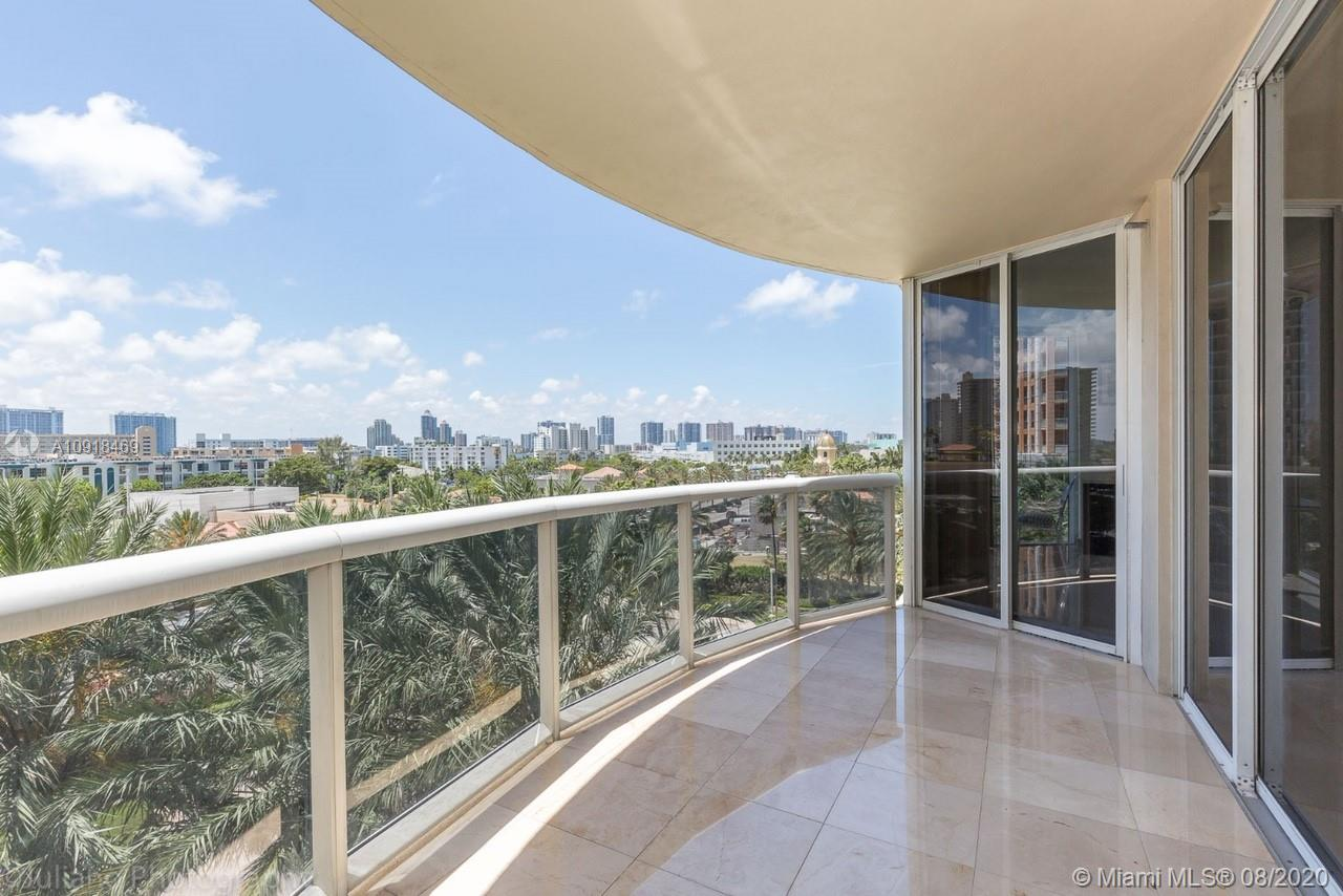 17555 Collins Ave #604 photo07