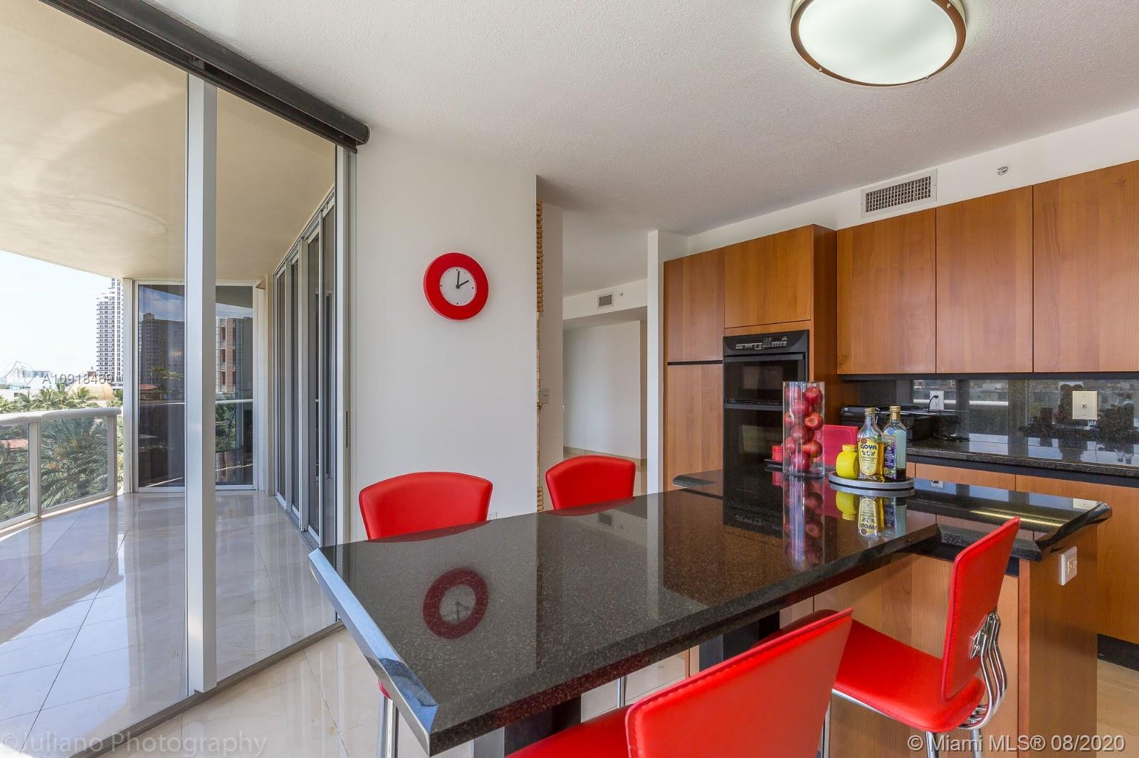 17555 Collins Ave #604 photo05