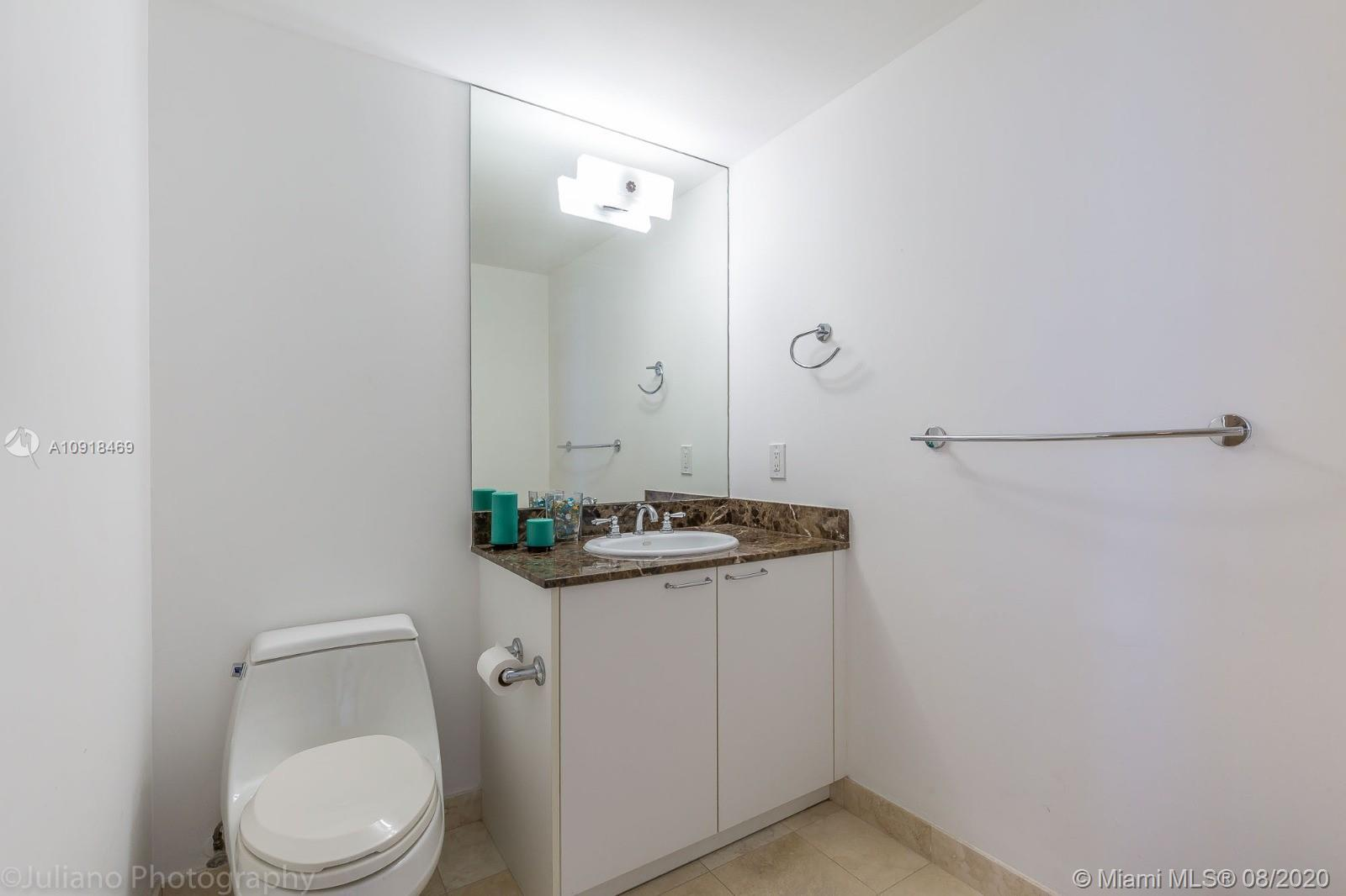 17555 Collins Ave #604 photo019