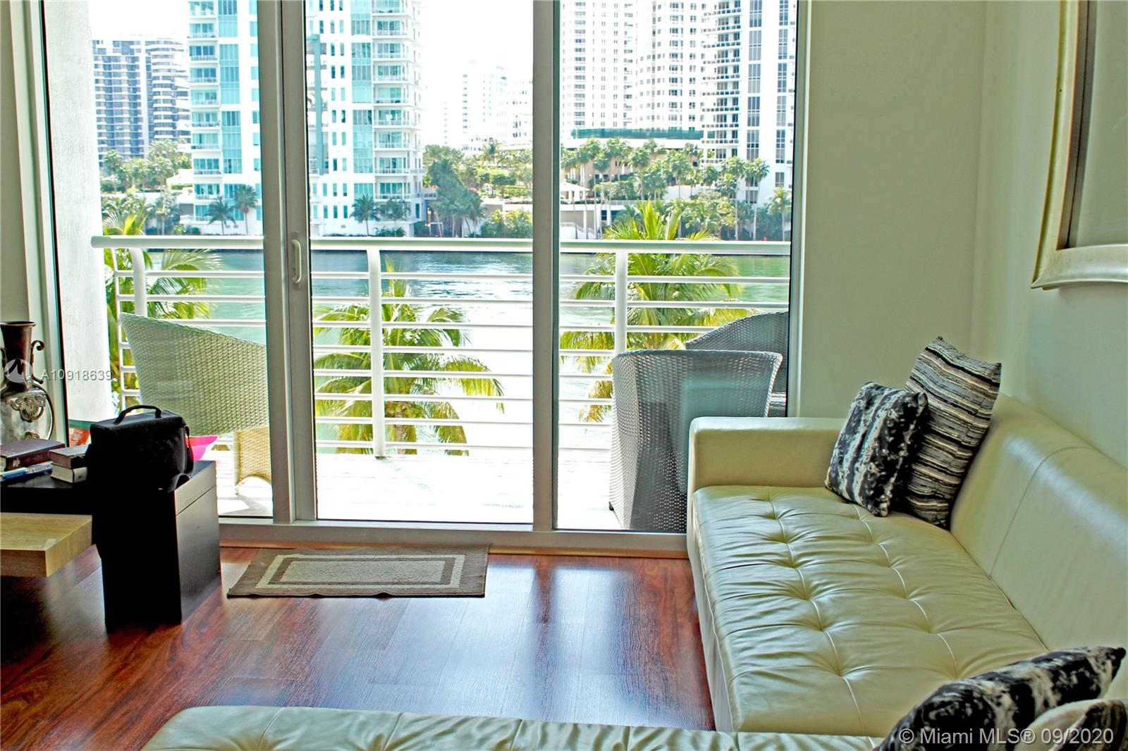 One Miami #415 photo09