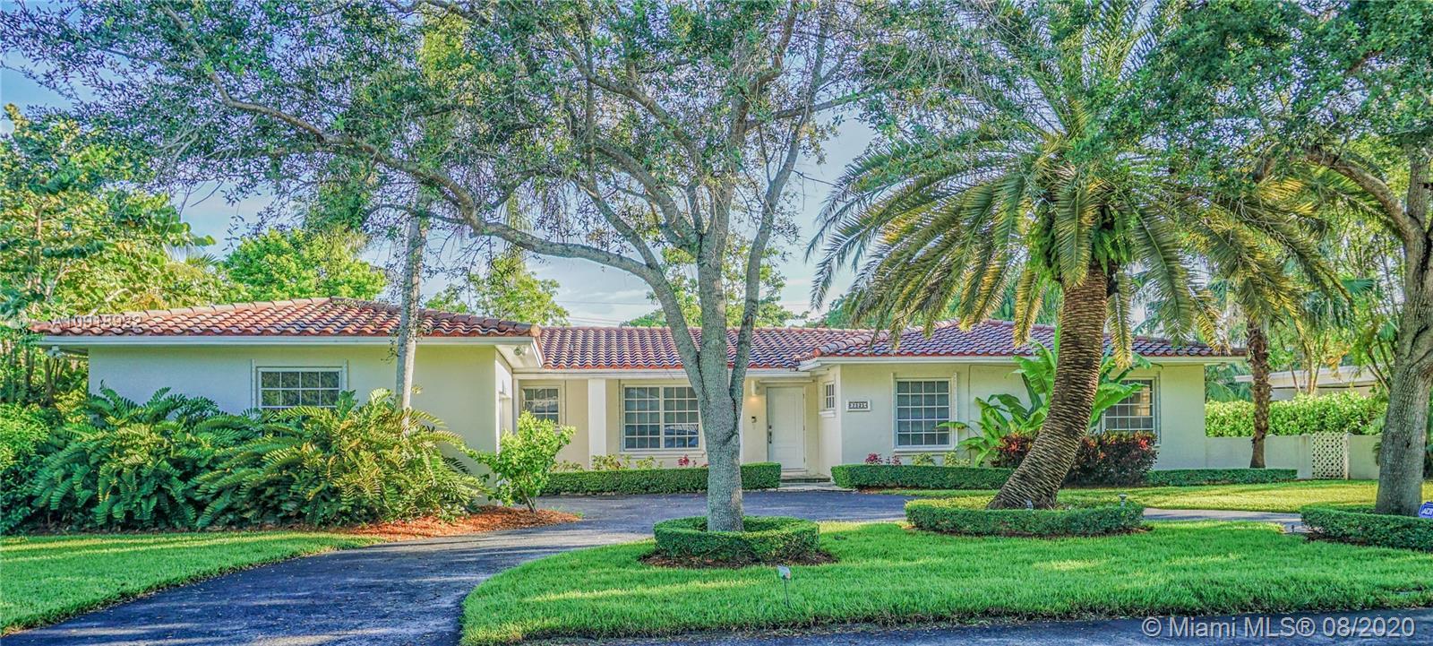 South Miami - 7525 SW 61st St, Miami, FL 33143