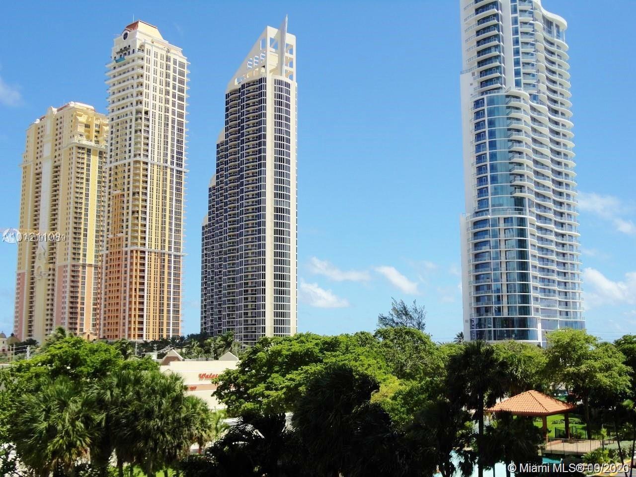 Winston Towers #716 photo01