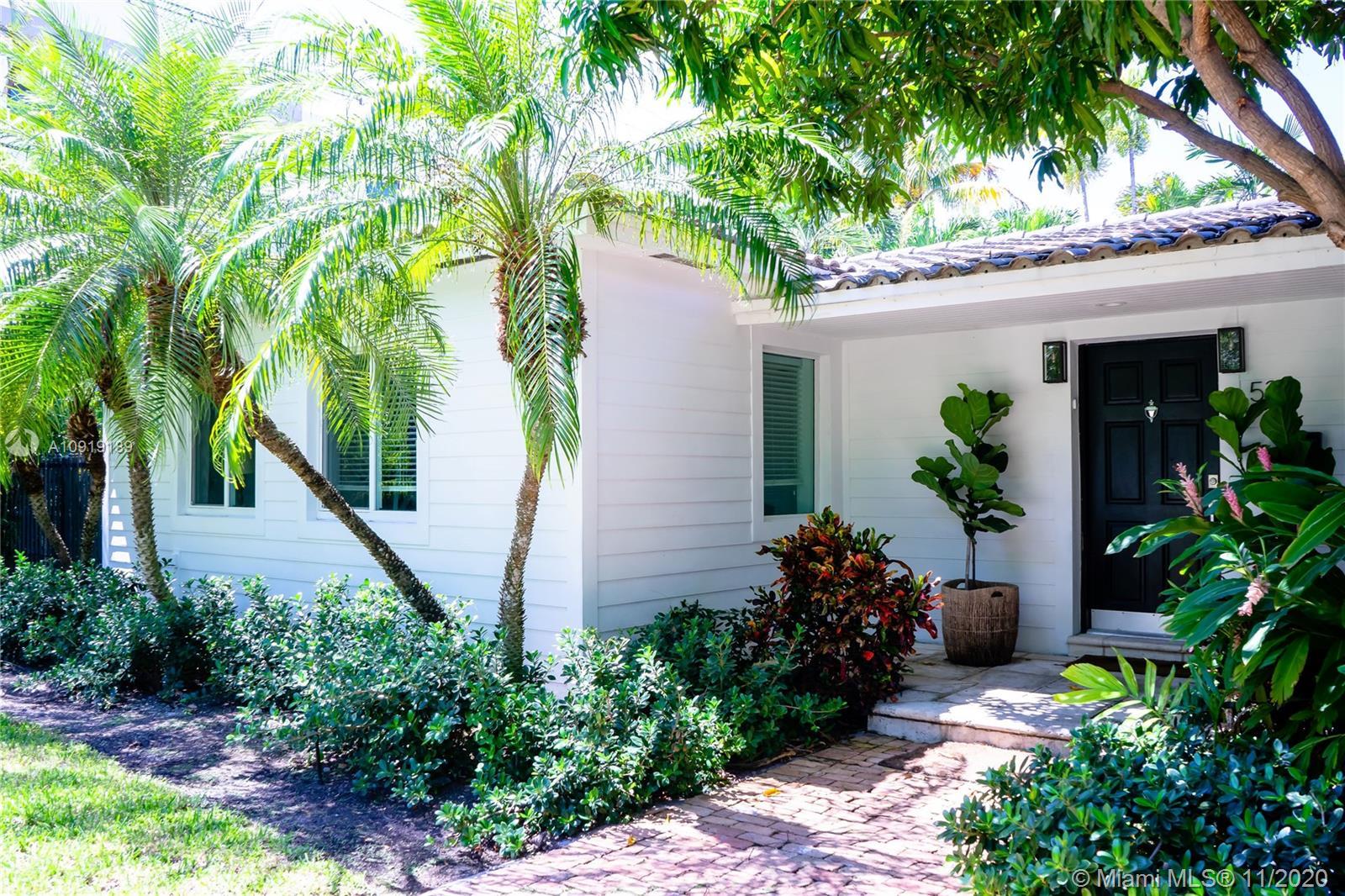 Tropical Isle Homes # photo01