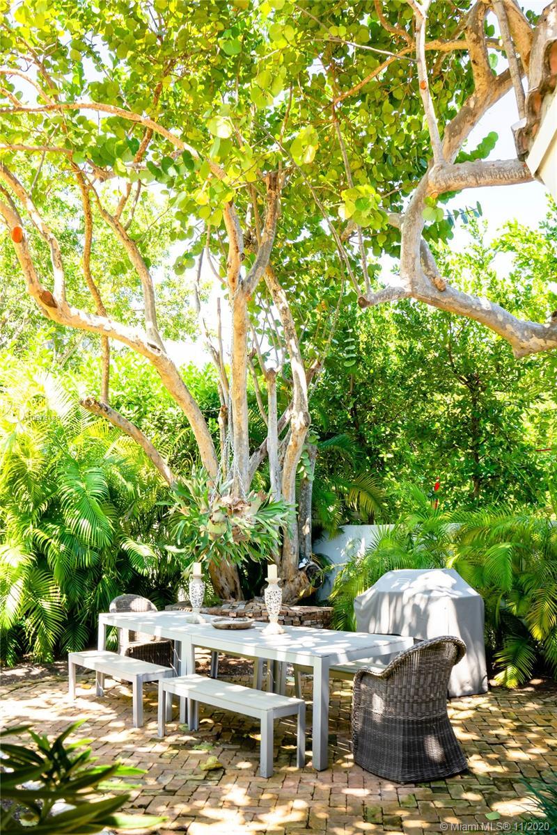 Tropical Isle Homes # photo08