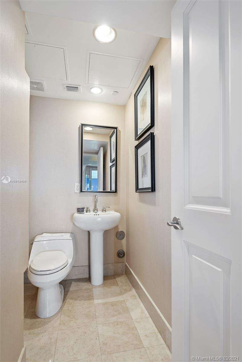 17875 Collins Ave #1404 photo016