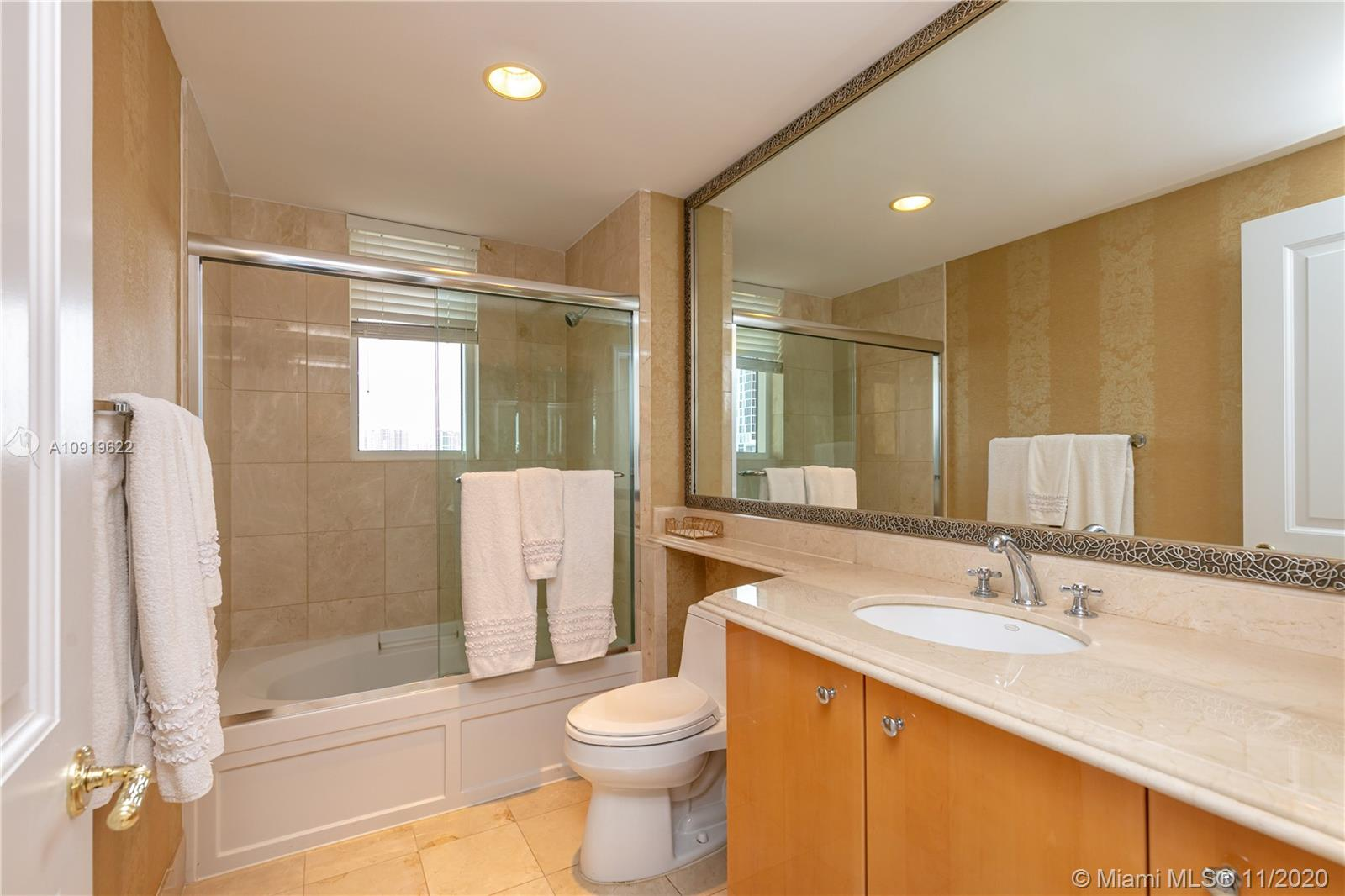 17875 Collins Ave #802 photo022