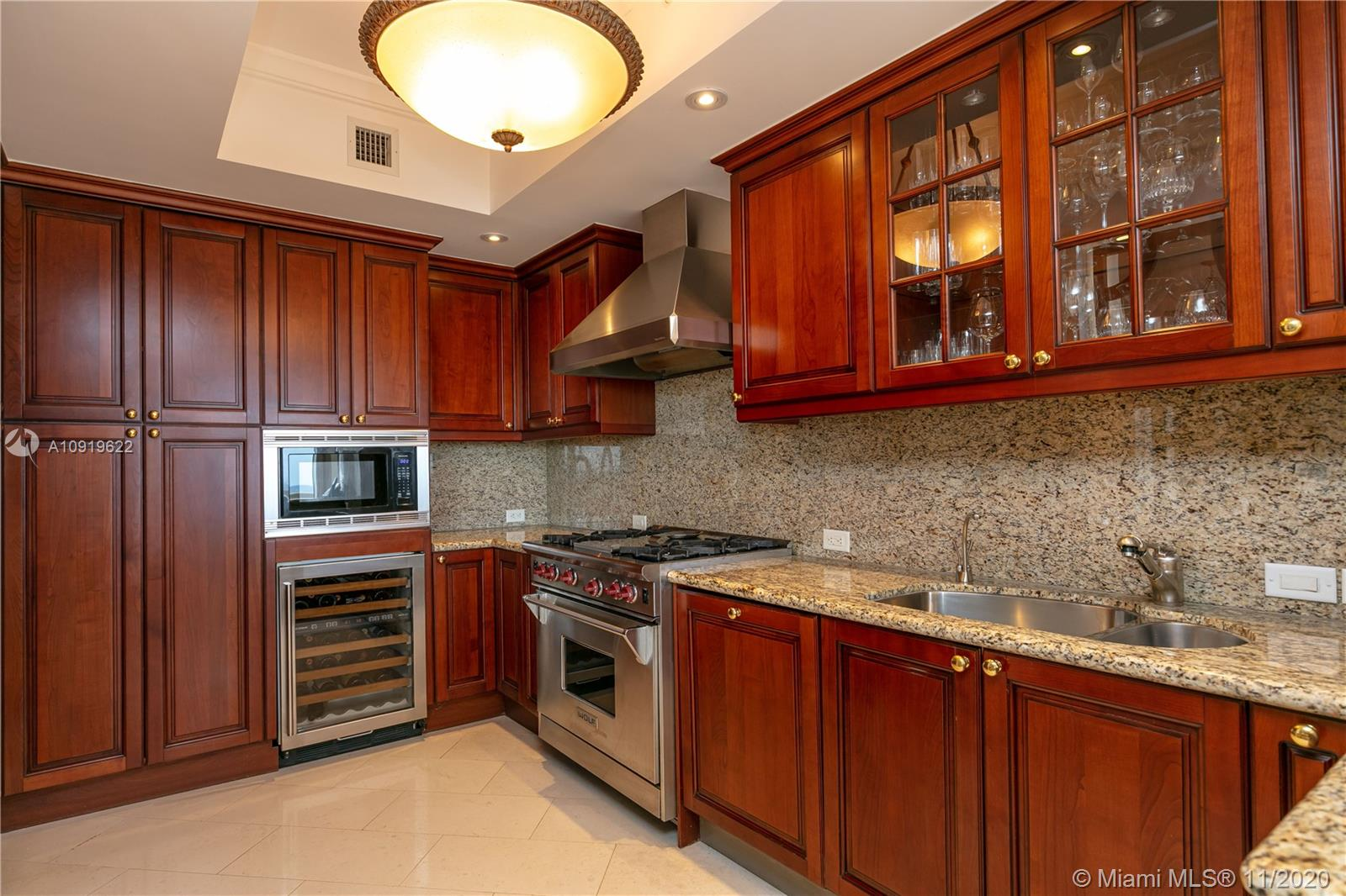 17875 Collins Ave #802 photo011