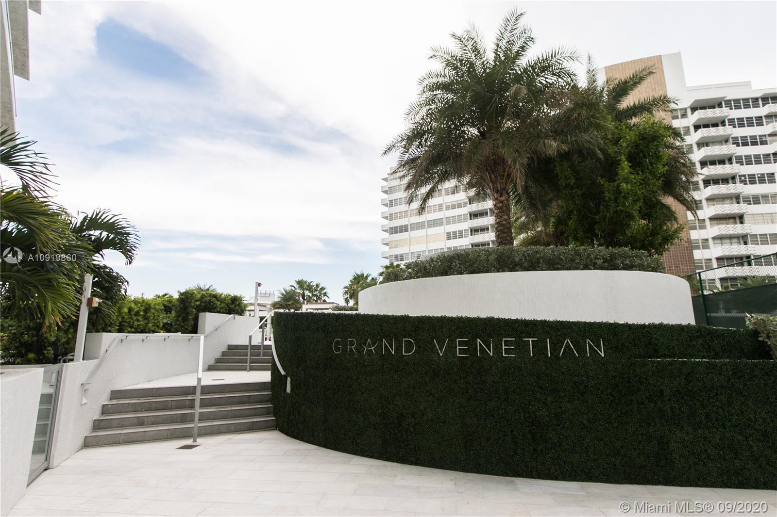 Grand Venetian #903 photo42