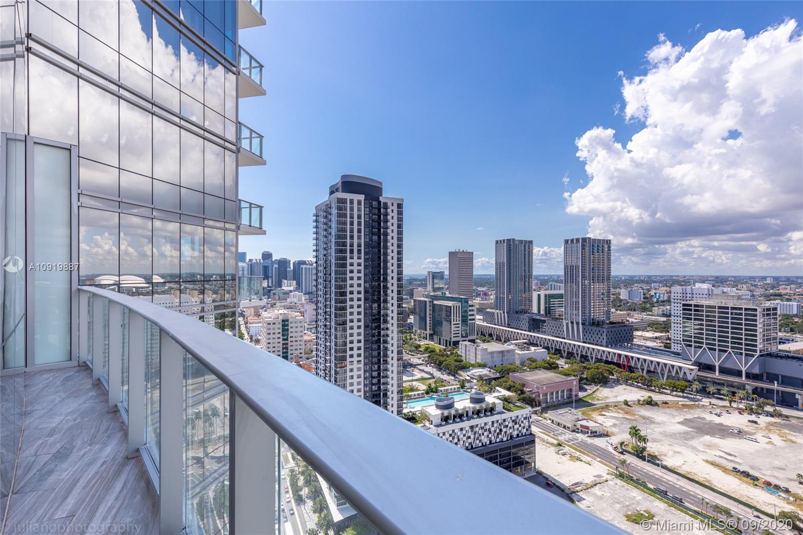 Paramount Miami Worldcenter #3010 photo01