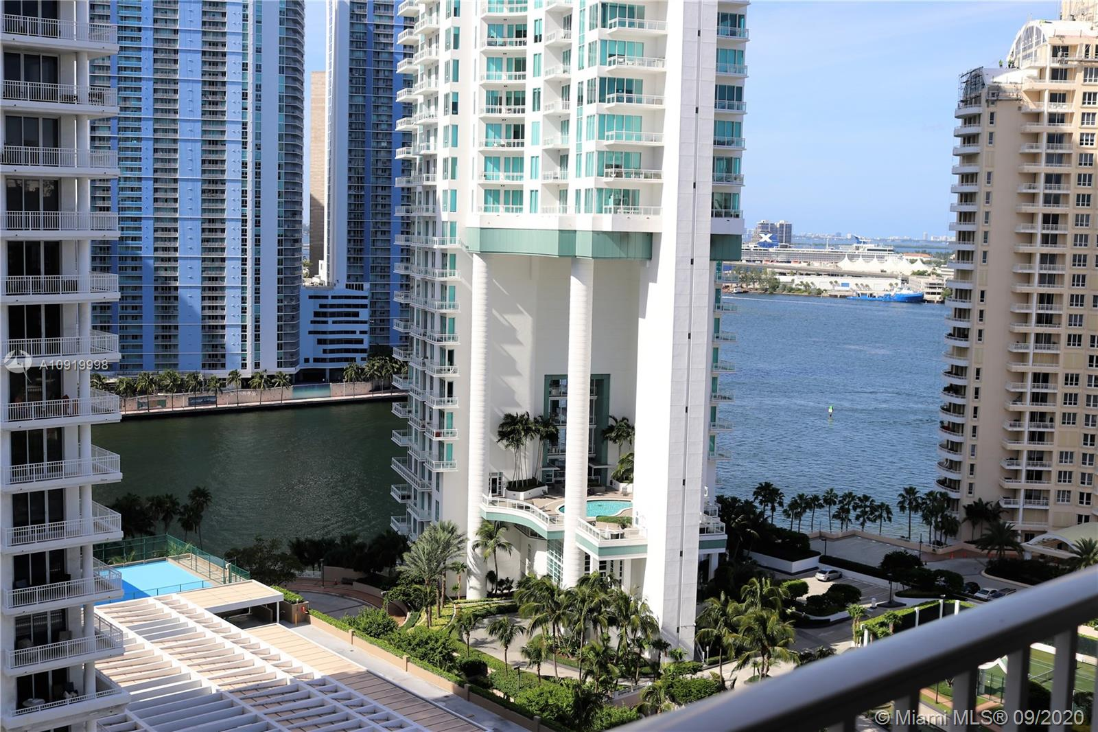 701 Brickell Key Blvd #2008 photo031