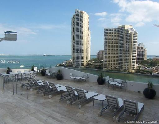 One Miami #521 photo05