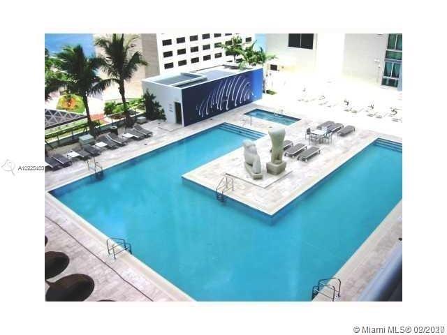 One Miami #521 photo08
