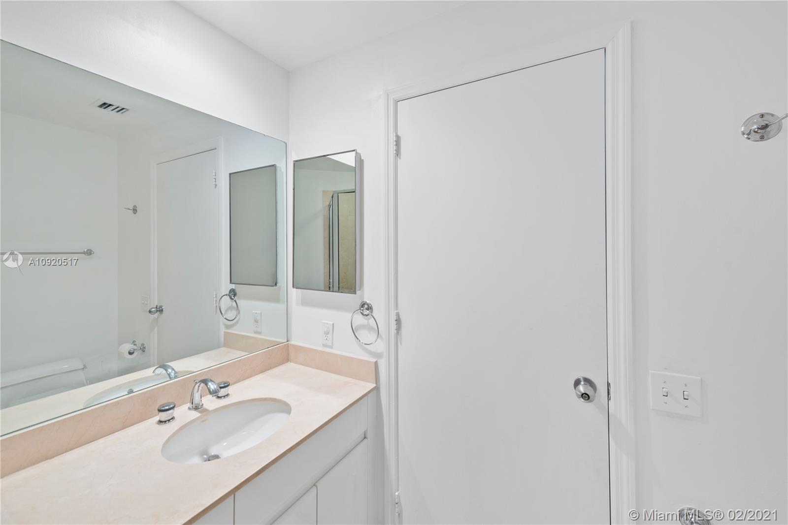888 Brickell Key Dr #1203 photo08