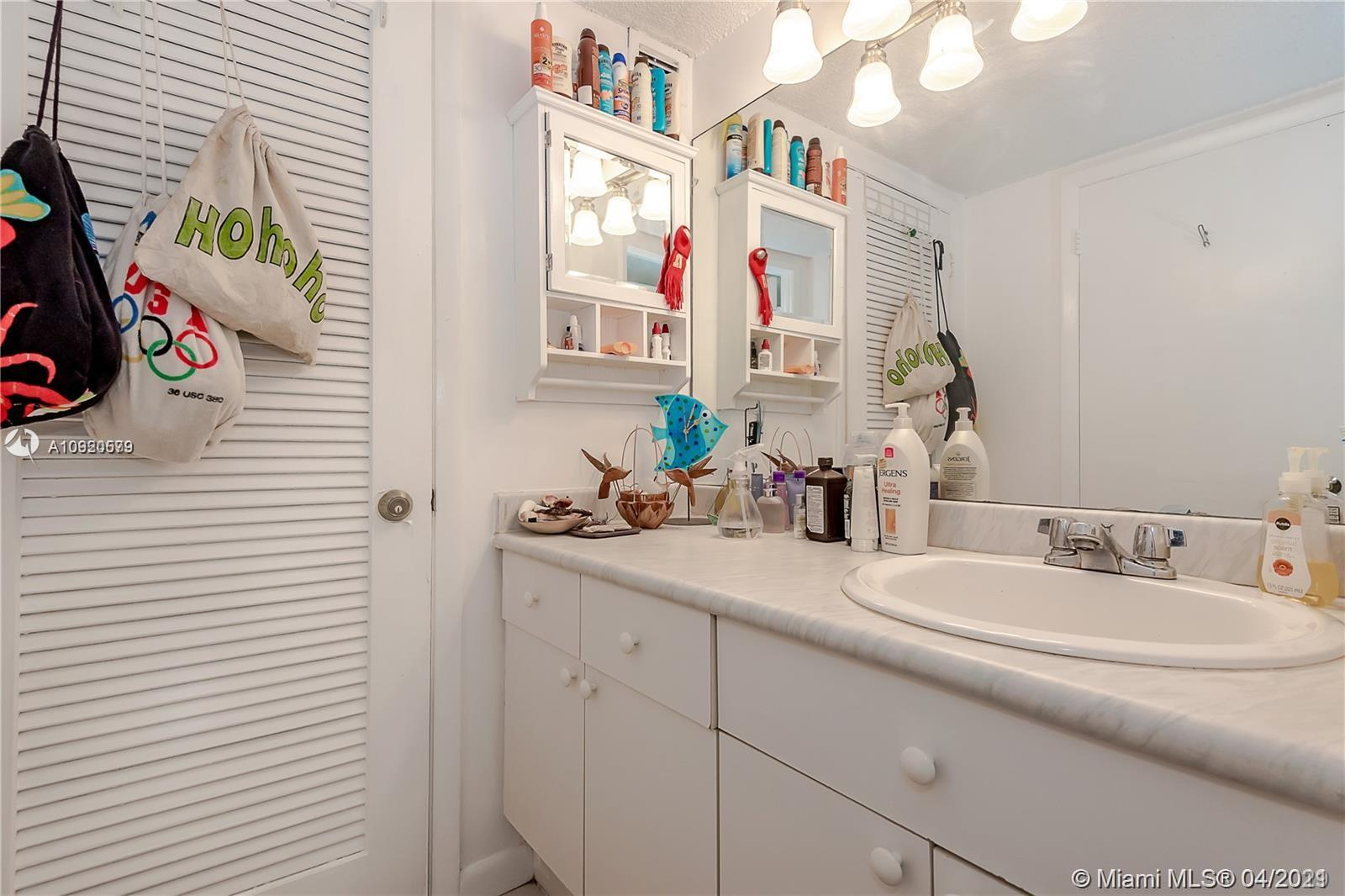 2301 Collins Ave #511 photo026