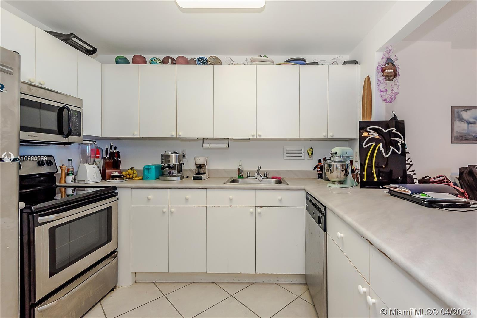 2301 Collins Ave #511 photo022