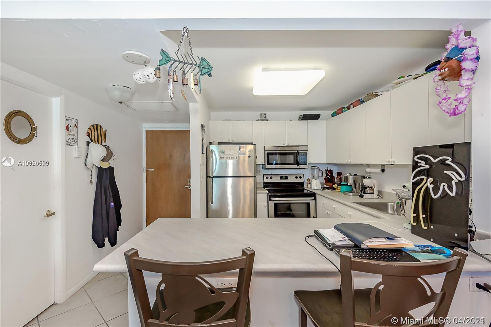2301 Collins Ave #511 photo020