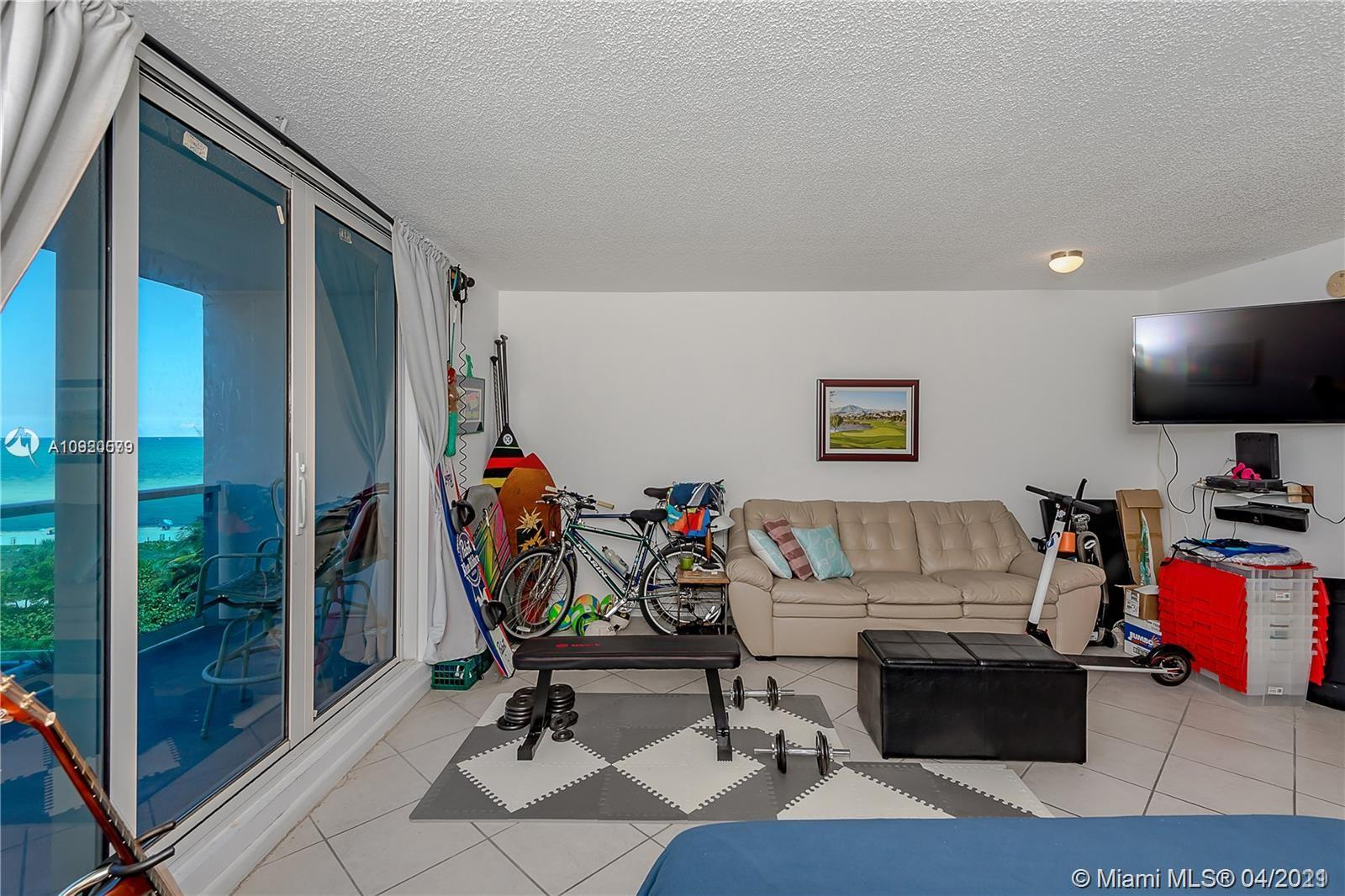 2301 Collins Ave #511 photo09