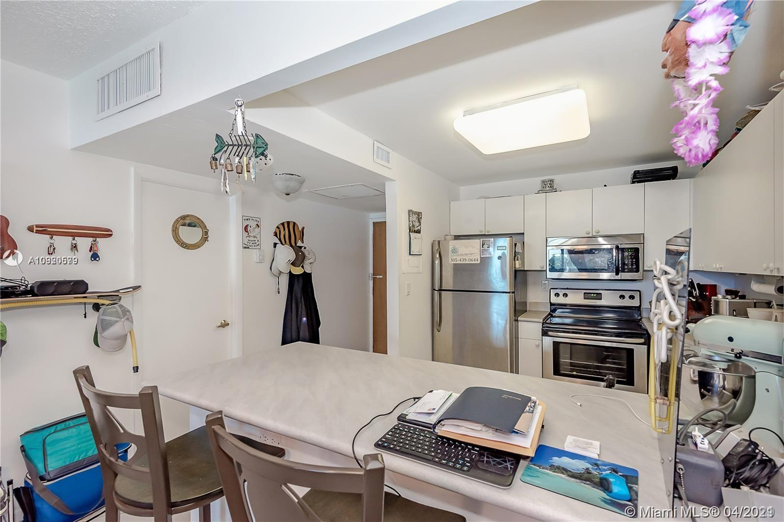 2301 Collins Ave #511 photo019