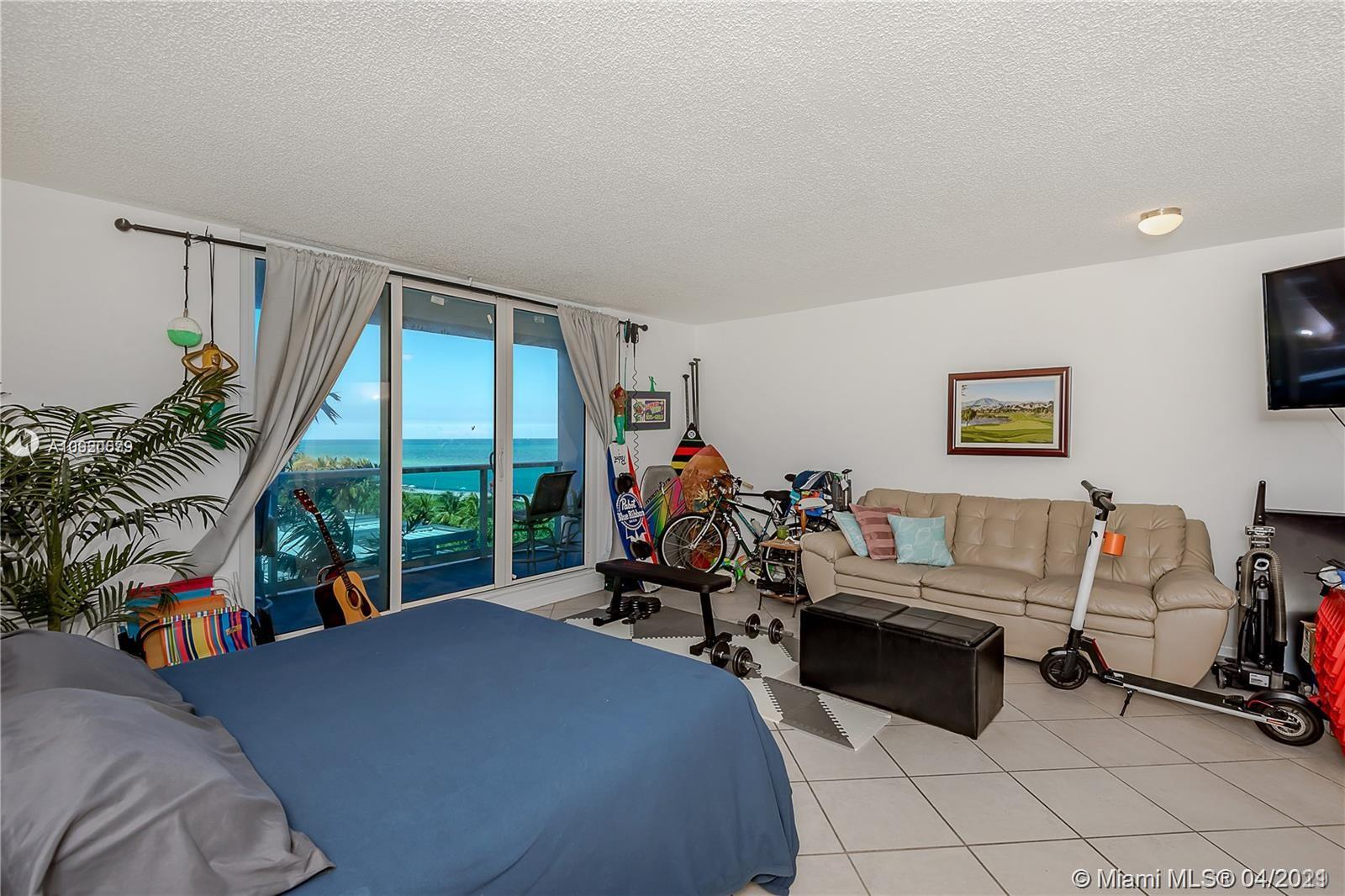 2301 Collins Ave #511 photo08