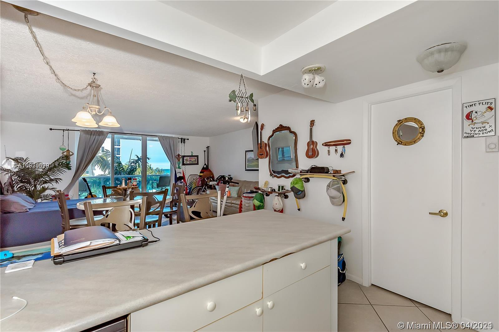 2301 Collins Ave #511 photo025