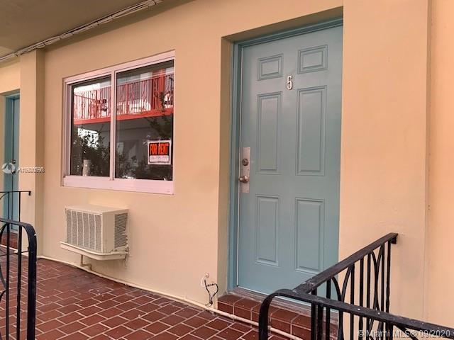 1135 Euclid Ave #105