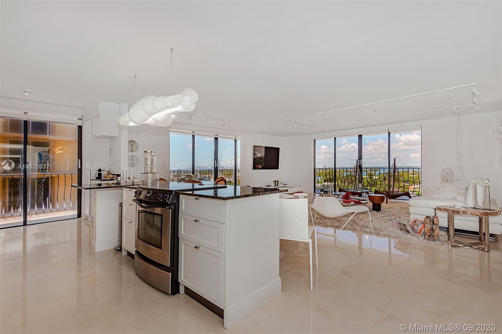 8877 Collins Ave #1007 photo06