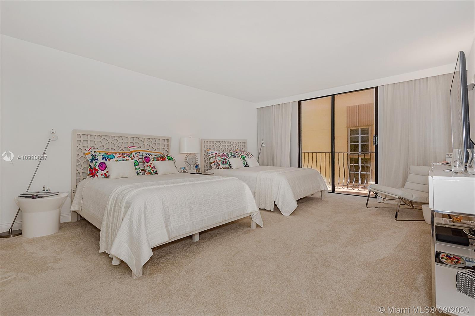 8877 Collins Ave #1007 photo08