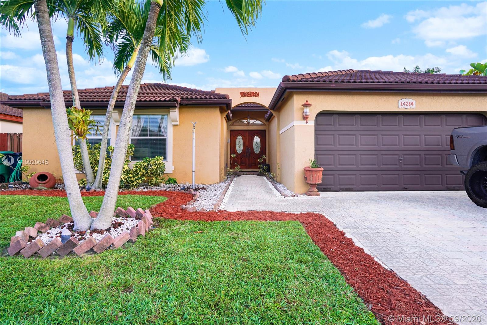 Property for sale at 14284 SW 163rd Ter, Miami,  Florida 33177