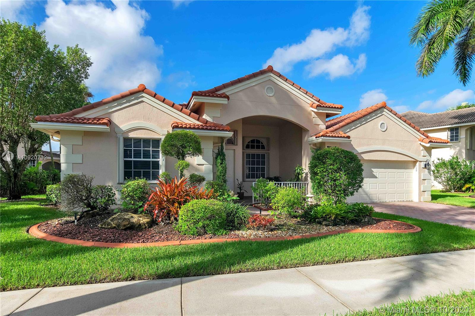 Weston Hills - 2535 Hunters Run Way, Weston, FL 33327