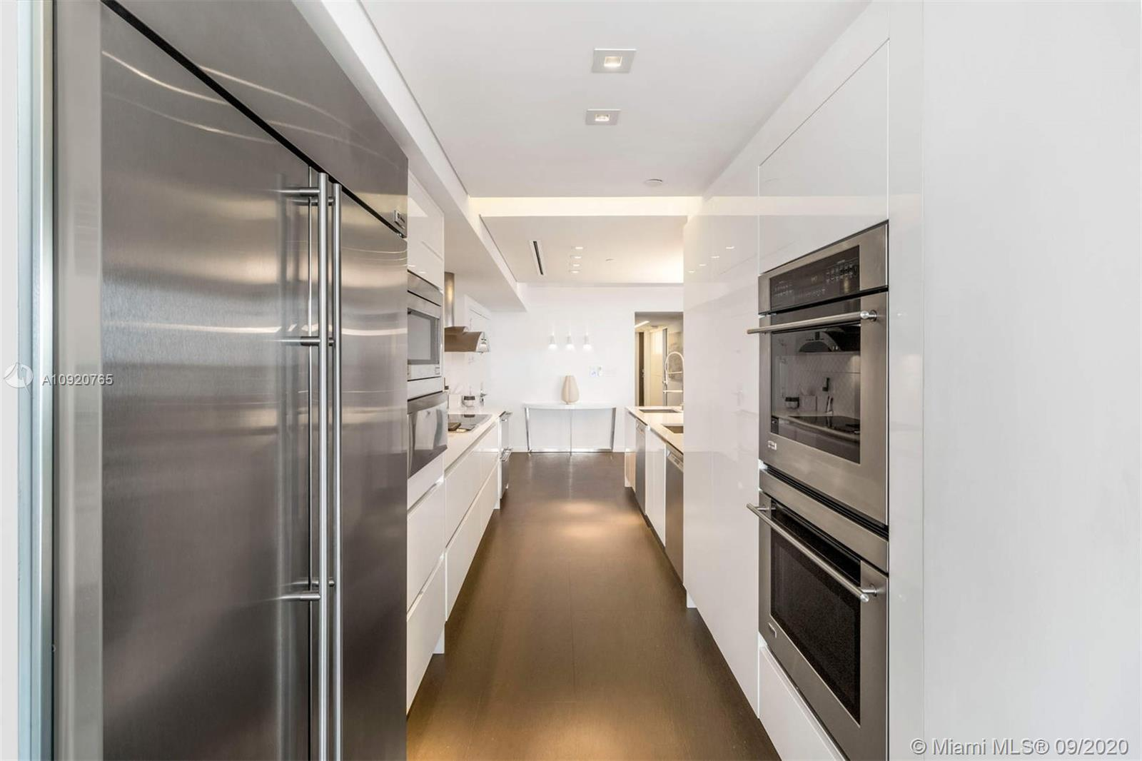 10175 Collins Ave #1208 photo06