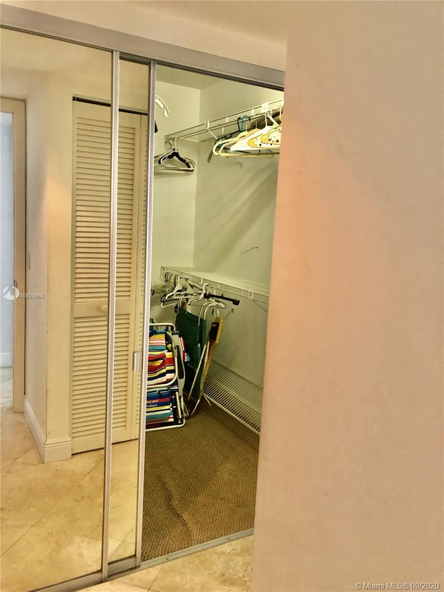 16445 Collins Ave #1624 photo047