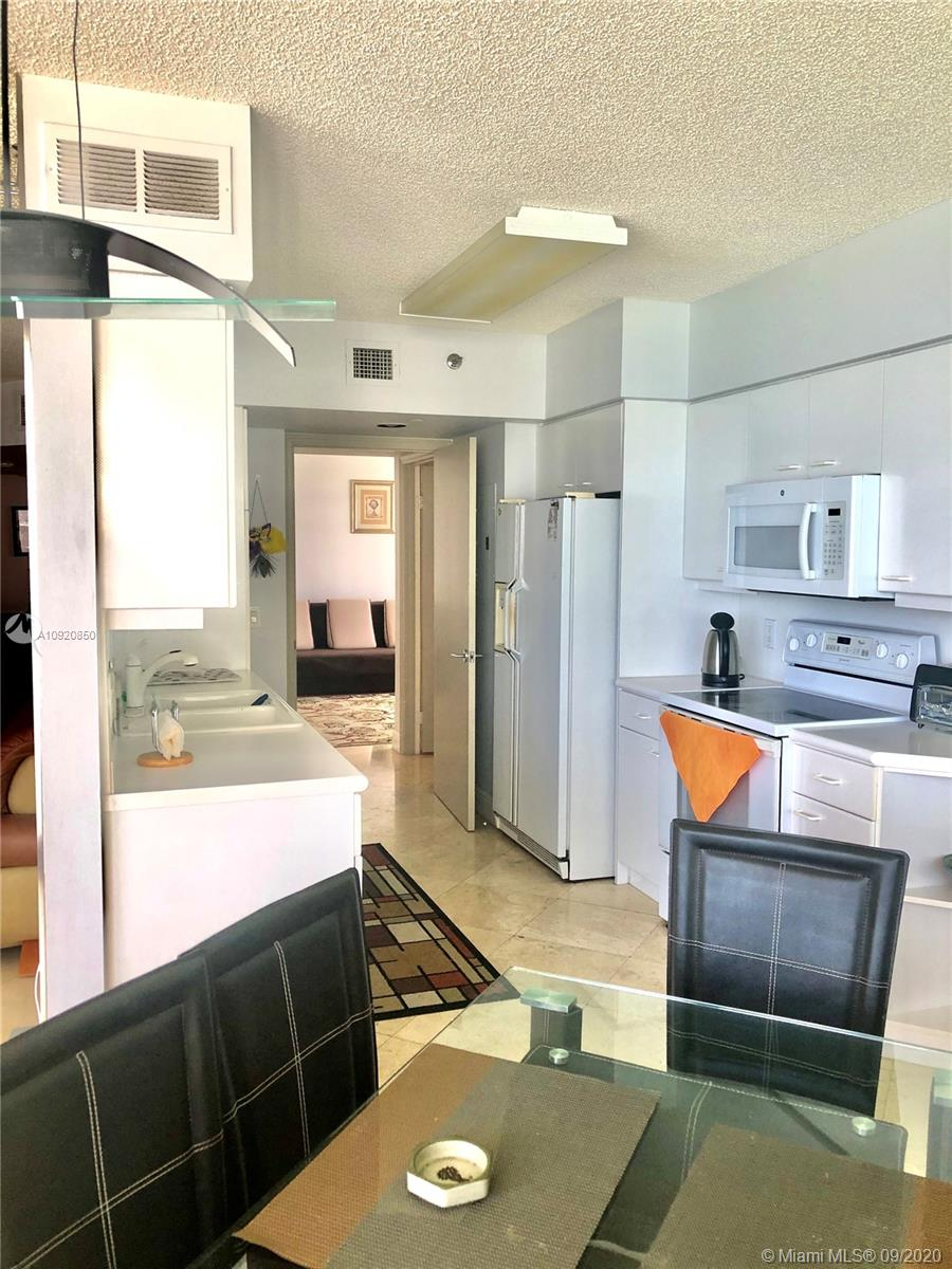 16445 Collins Ave #1624 photo028
