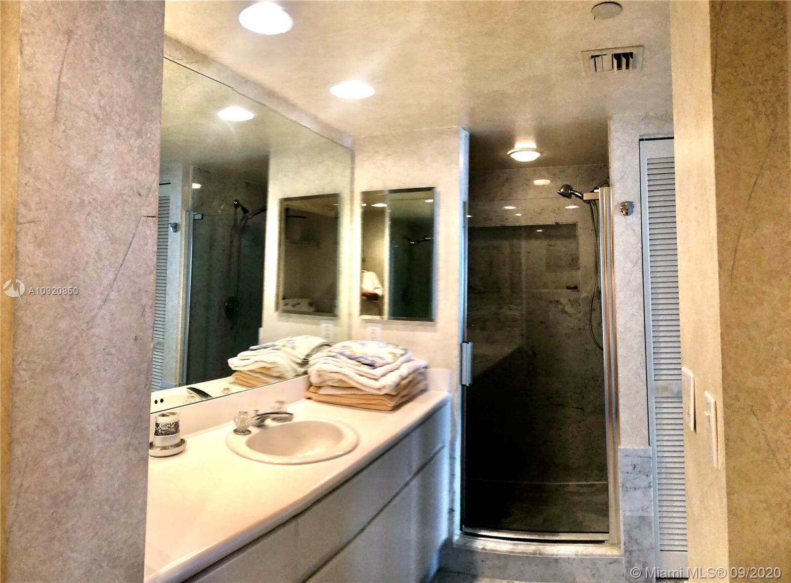 16445 Collins Ave #1624 photo034