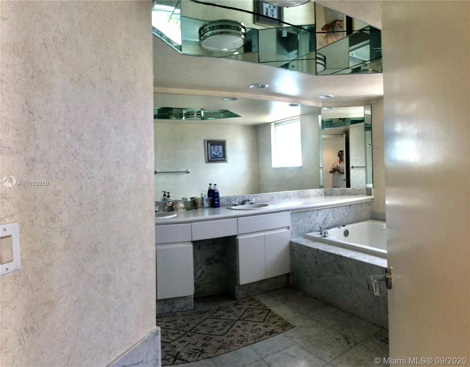 16445 Collins Ave #1624 photo050