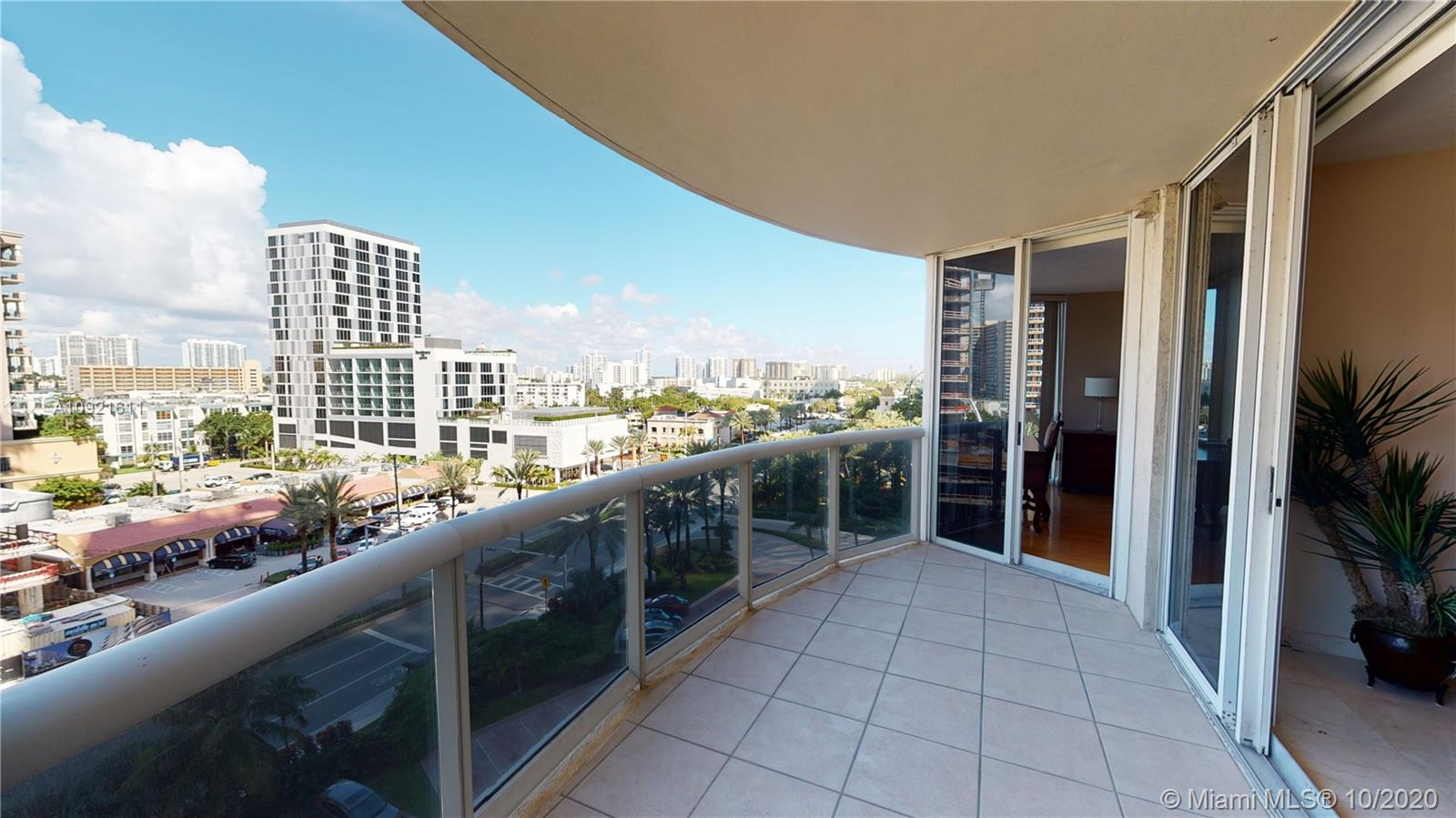 17555 Collins Ave #802 photo013