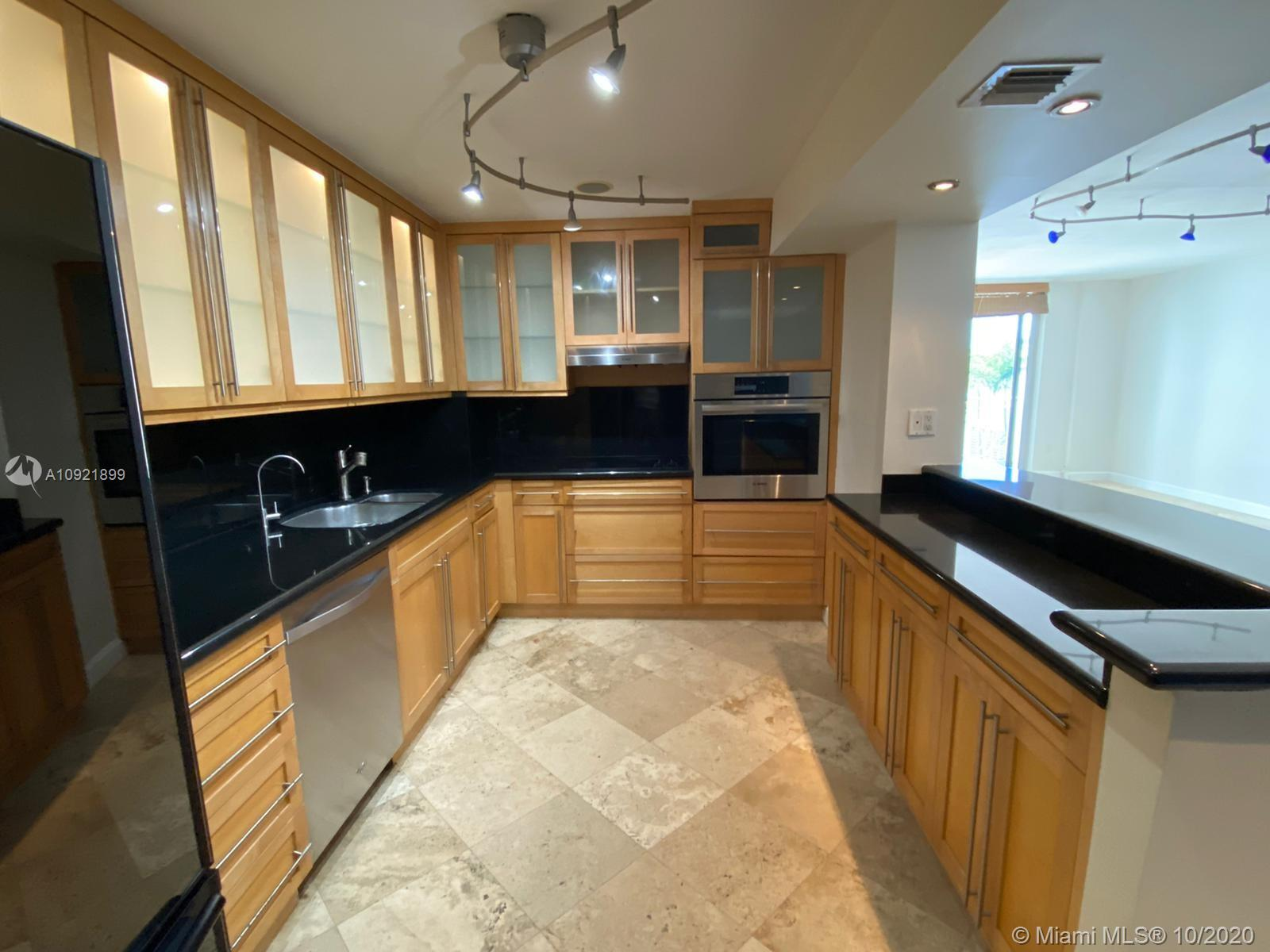 5825 Collins Ave #3K photo07